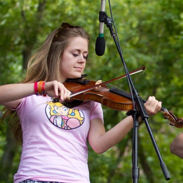 2013 fiddle contest winner